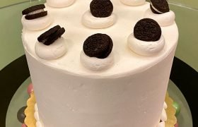 Cookies & Cream Layer Cake