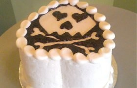 I Heart Skulls Layer Cake