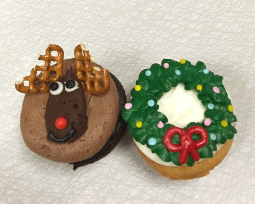 Christmas Cupcakes - Reindeer Wreath
