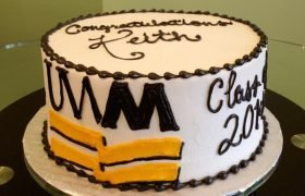 Graduation Layer Cake - UW-Milwaukee