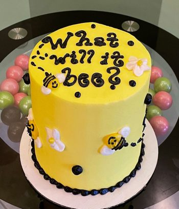 Gender Reveal What Will It Bee Layer Cake - Top