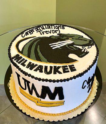 Graduation Layer Cake - UW-Milwaukee