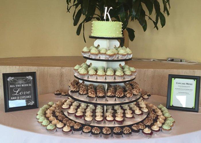 Cupcake Display Rental – Classy Girl Cupcakes