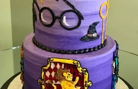 Harry Potter Tiered Cake - Gryffindor