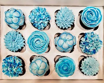 Assorted Flower Cupcakes - Blue