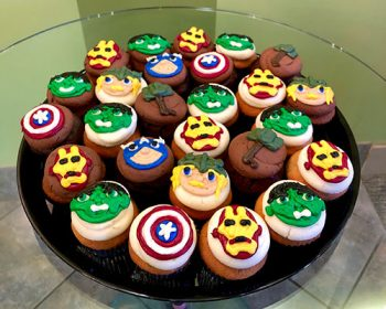 Decorated Cupcake Party Tray - Marvel Superhero