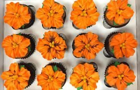 Tropical Flower Cupcakes - Orange