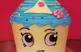 Shopkins Cupcake Queen Giant Cupcake Cake