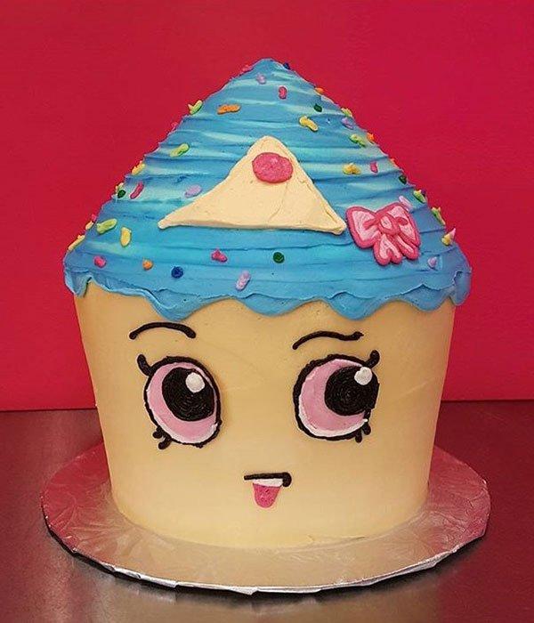 Shopkins Cupcake Queen Giant Cake