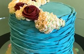Country Petal Layer Cake - Blue