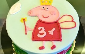 Peppa Pig Fairy Layer Cake - Top