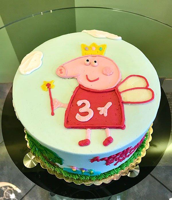 Peppa Pig Fairy Layer Cake - Top