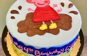 Peppa Pig Layer Cake - Top