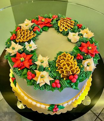 Holiday Wreath Layer Cake - Top