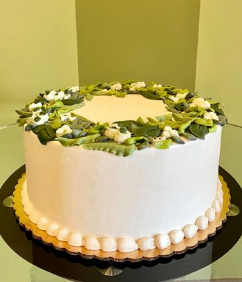 Greenery Wreath Layer Cake - Side