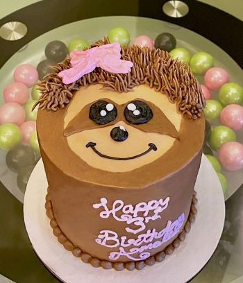 Sloth Face Layer Cake - Top