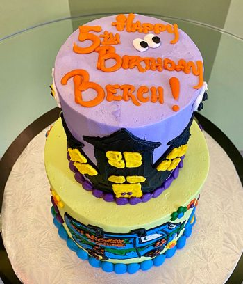 Scooby Doo Tiered Cake - Top