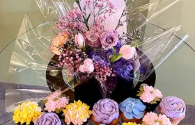 Flowers & Cupcakes Package