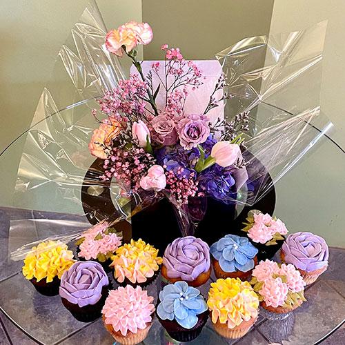 Flowers & Cupcakes Package