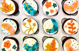 Feather Cupcakes